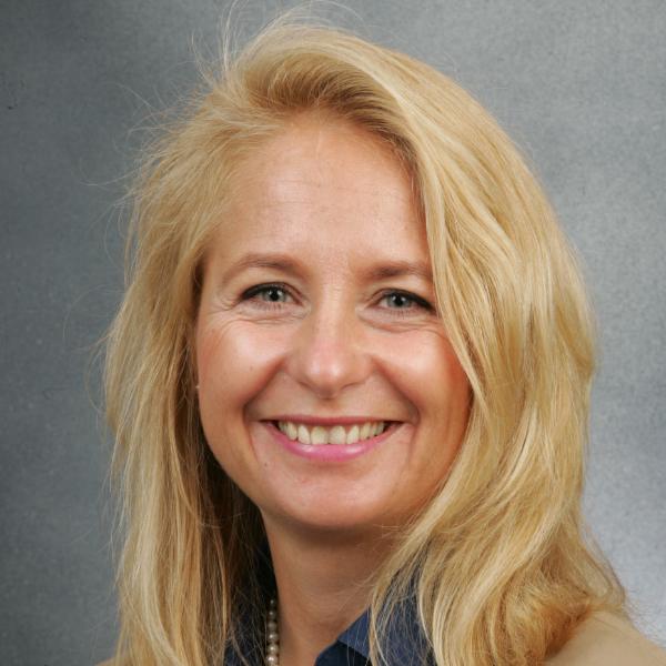 Klara Denzin, Zertifizierte interkulturelle Trainerin und Organisationsentwicklerin